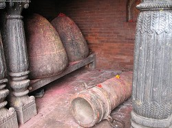 Cannon with inscription mentioning the contribution of Chandrarup Shah during the reign of King Prithivipati Shah