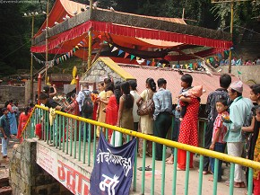 Devotees queuing up