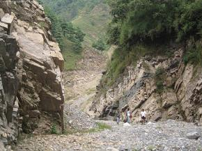 On the way to Markhu village before we reached the Suspension Bridge