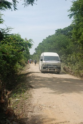 Van 2 towards the site