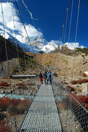 day5 Bridge between Manang and gangapurna