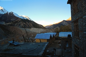 day5  twilight at Manang village