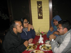 12-having-dinner-or-project-discussion