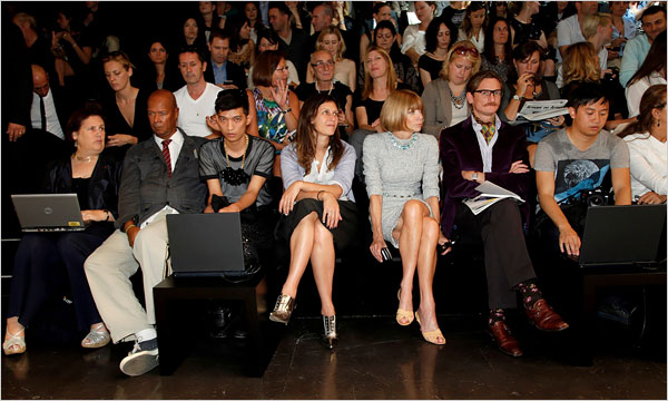 Fashion Bloggers take Front Row
