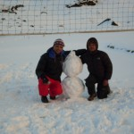 Paul and Billa play volleyball and then make snowman (Photo: Guest)