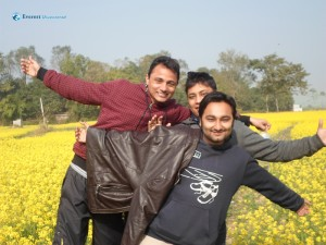 62. Mustard field and Shahrukhs