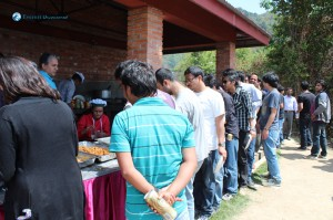 14. Lunch Queue