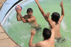 11. Water polo, striker vs defenders