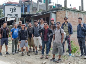 0. Full squad together at hike starting point at Mude