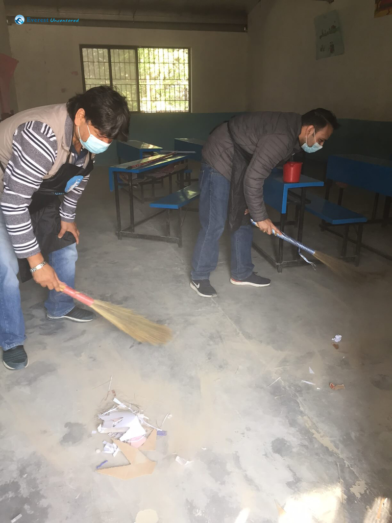 9 Sharad And Sushant Cleaning The Study Room